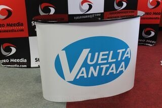Iso mainospöytä Vuelta Vantaa
