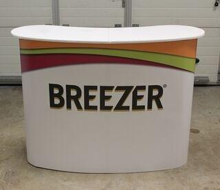 Messupöytä Breezer