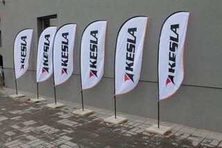 Uudet mainosliput Keslalle